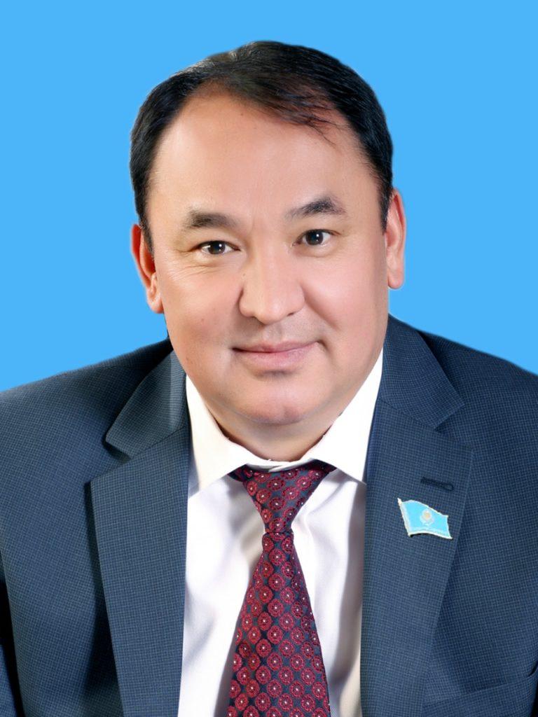 Секретарь маслихата: «Помочь можно не только деньгами»  Кайрат Балабиев, секретарь маслихата Туркестанской области: