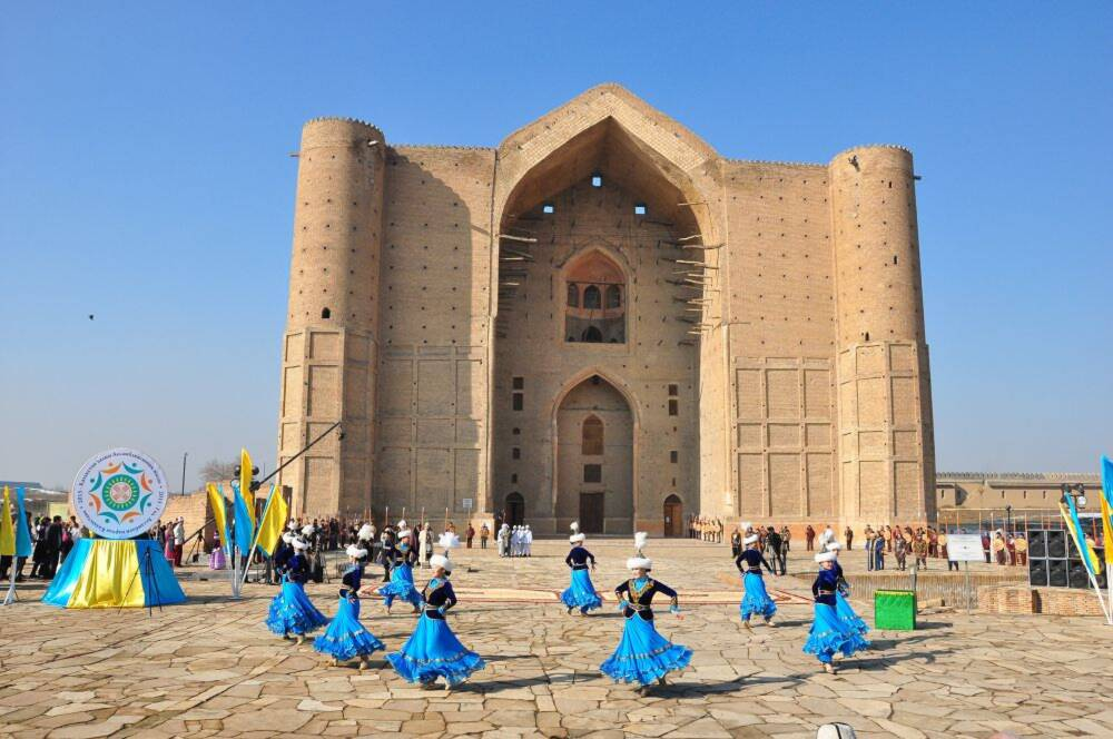 «Түркiстан жарық-тазалық» ЖШС қала тазалығын қамтамасыз етеді